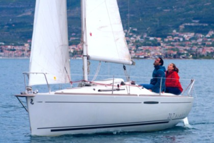 Charter Sailboat BENETEAU First 21.7 v Split