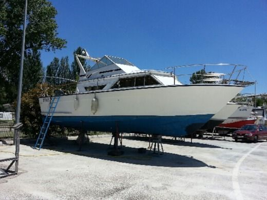 Motorboat ARCOA 9.60 for hire