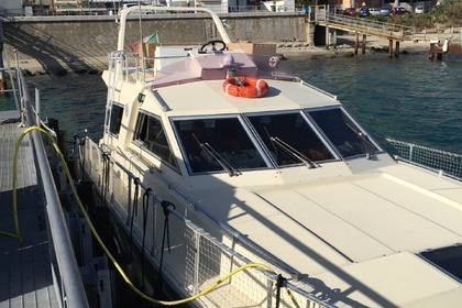 Hire Motorboat RAFFAELLI TYPHONE Valletta