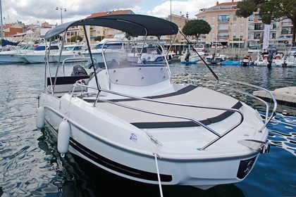 Hire Motorboat BENETEAU Flyer 5.5 Sundeck