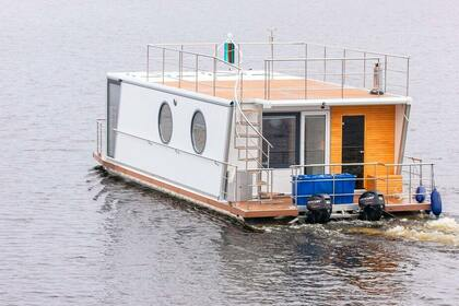 Rental Houseboat Custom Houseboat Deluxe Jyväskylä
