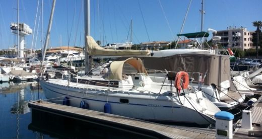 Jeanneau Attalia 32 in Port Santa Lucia for hire