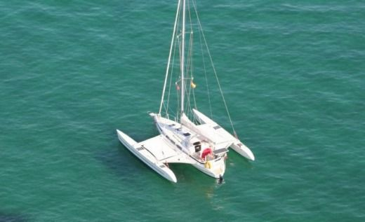 Sailboat Quorning Dragonfly 1000 for hire