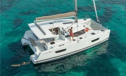 Rental Catamaran Fountaine Pajot Lucia 40 Quatuor Marmaris