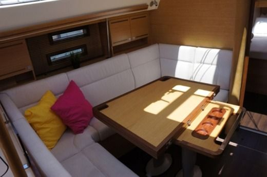 Sailboat Elan 394 Impression for hire