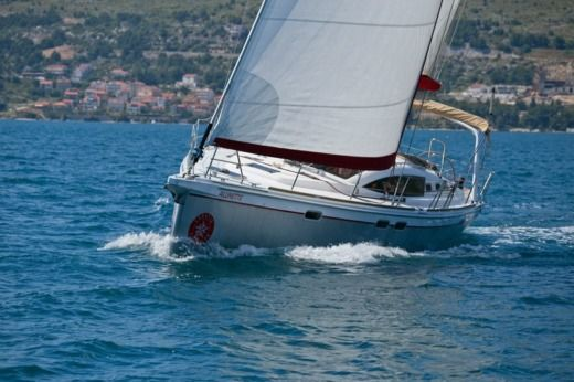 Sailboat Allures 45 for hire