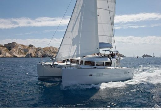 Rental Catamaran Beneteau Lagoon 400 S2 Limited Edition Sukošan