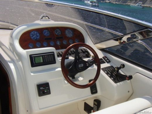 Rental Motorboat Sunseeker 39 Martinique Spetses