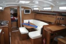 Beneteau Cyclades 43.3 in Cannes for hire