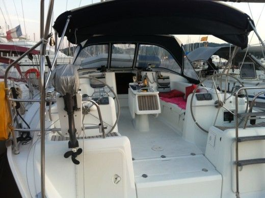 Sailboat BENETEAU Cyclades 43.3 for hire