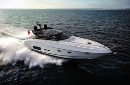 Rental Motorboat Sunseeker Predator 60 Quarteira