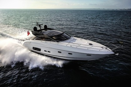 Hire Motorboat SUNSEEKER Predator 60 Quarteira