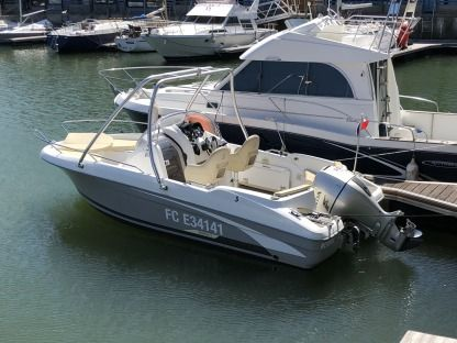 Rental Motorboat Bénéteau Flyer 650 Open Deauville