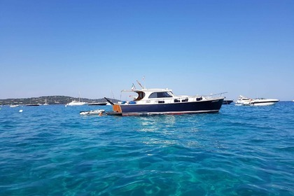 Hire Motorboat EGEMAR LIBERTY 48 Sainte-Maxime