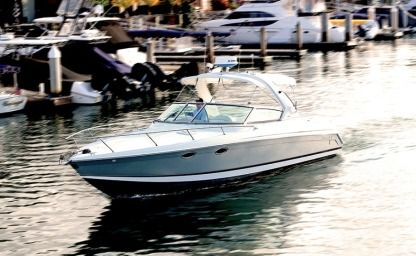 Rental Motorboat Formula 330 Super Sport Newport Beach