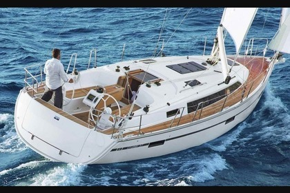 Hire Sailboat BAVARIA 37 CRUISER Barcelona