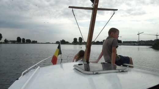 Charter motorboat in Maaseik peer-to-peer