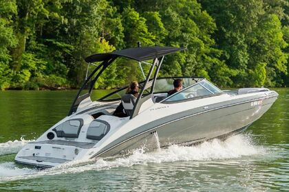 Hire Motorboat Yamaha 21ft Yamaha 212 limited S Jet boat Virginia Beach