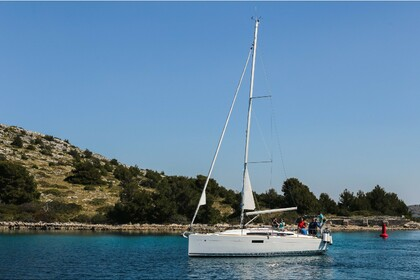 Rental Sailboat JEANNEAU 349 Ploče