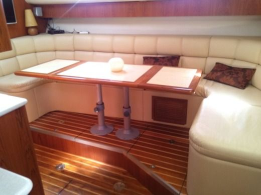 Motorboat Tiara 4000 Express for hire
