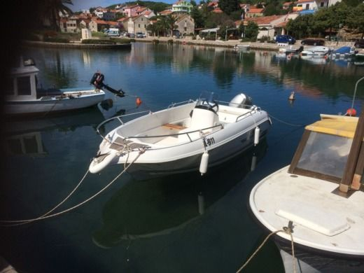 Galeon Galia 440 in Vrboska for hire
