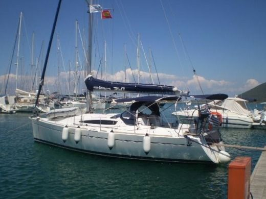 Charter sailboat in Athènes peer-to-peer