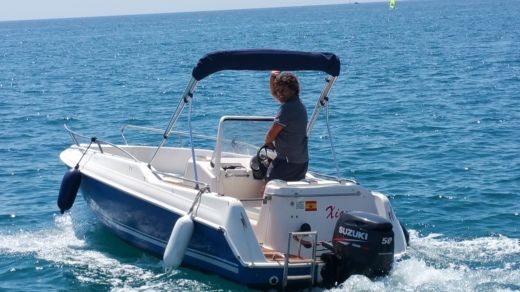 Quicksilver 5,5 Commander in Begur for rental