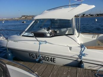 Charter Motorboat Beneteau Antares 580 St-Malo