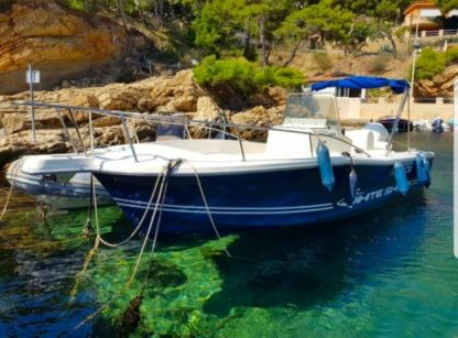 Rental Motorboat Kelt White Shark 225 Fos-sur-Mer