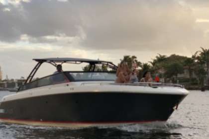 Hire Motorboat Greenline NEO Fort Lauderdale