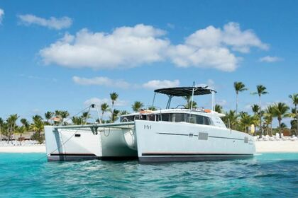 Charter Catamaran Lagoon 440 Power La Romana