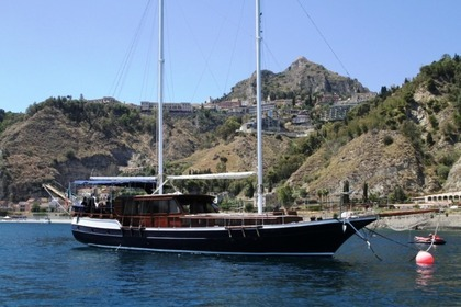 Hire Sailboat motorsailer 20 Metres Syracuse