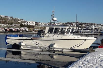 Hire Motorboat Bluewater 32 Marstrand
