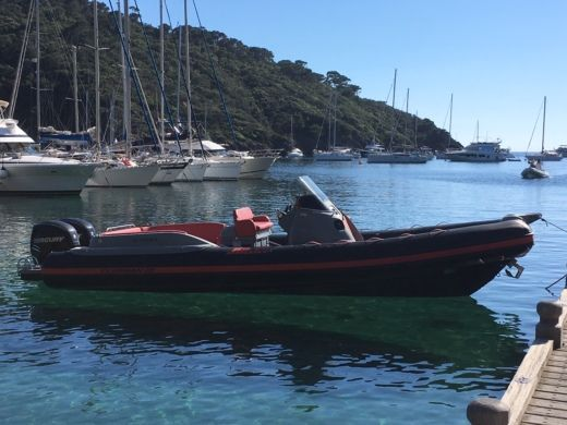 Location Semi-rigide Jocker Boat Club Man 28 Le Lavandou