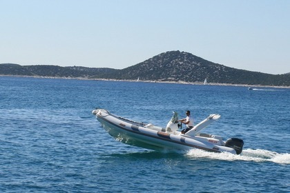 Hire RIB BAT INDIAN 680 Vodice