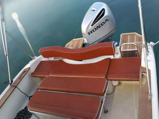 Rental Motorboat Formula Boats Sun Sport 845 Split