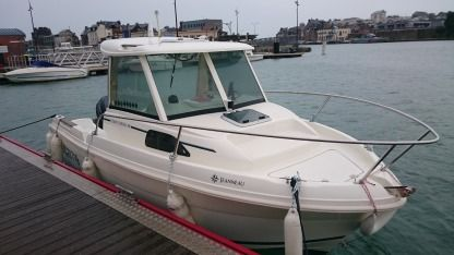 Rental Motorboat Jeanneau Merry Fisher Dieppe
