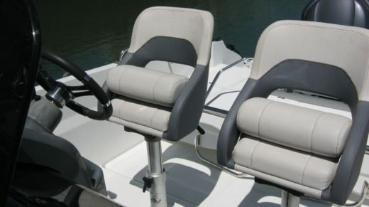 Motorboot BENETEAU FLYER 6 SPACE DECK zwischen Privatpersonen