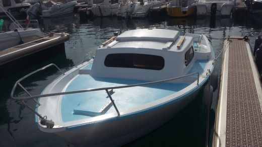 Motorboat Cnm Sir 580 for hire
