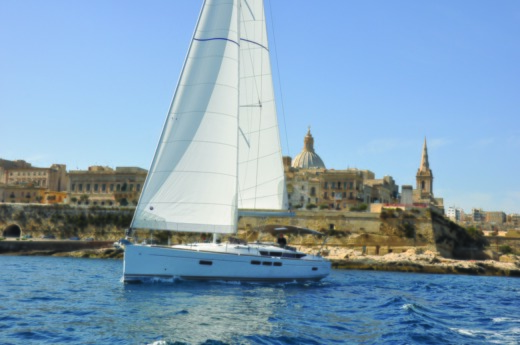 Charter sailboat in Malta