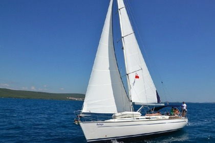 Rental Sailboat BAVARIA 44 Pirovac