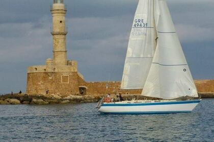 Hire Sailboat Hood 38 Wacquiez Chania