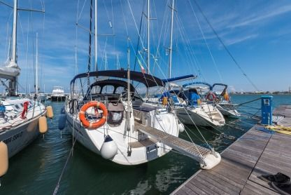 Charter Sailboat Bavaria Cruiser 39 Bari