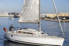Charter sailboat in Saint-Mandrier-sur-Mer