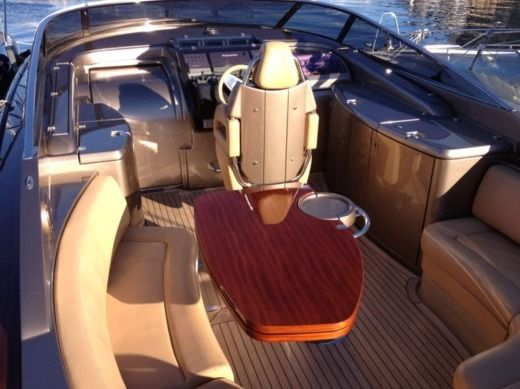 Charter motorboat in Monaco peer-to-peer