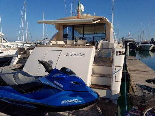 Cayman Ht 62 in San Vincenzo LI peer-to-peer