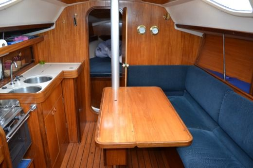 Sailboat Jeanneau Sun Odyssey 32 for hire