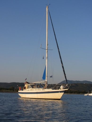 Fiskar Finsailer 34 in Oristano for hire