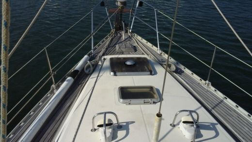 Sailboat Jeanneau Sun Kiss 47  14M for hire