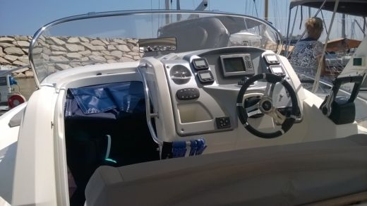 BENETEAU FLYER 850 SUNDECK MIAMI in Bastia for hire